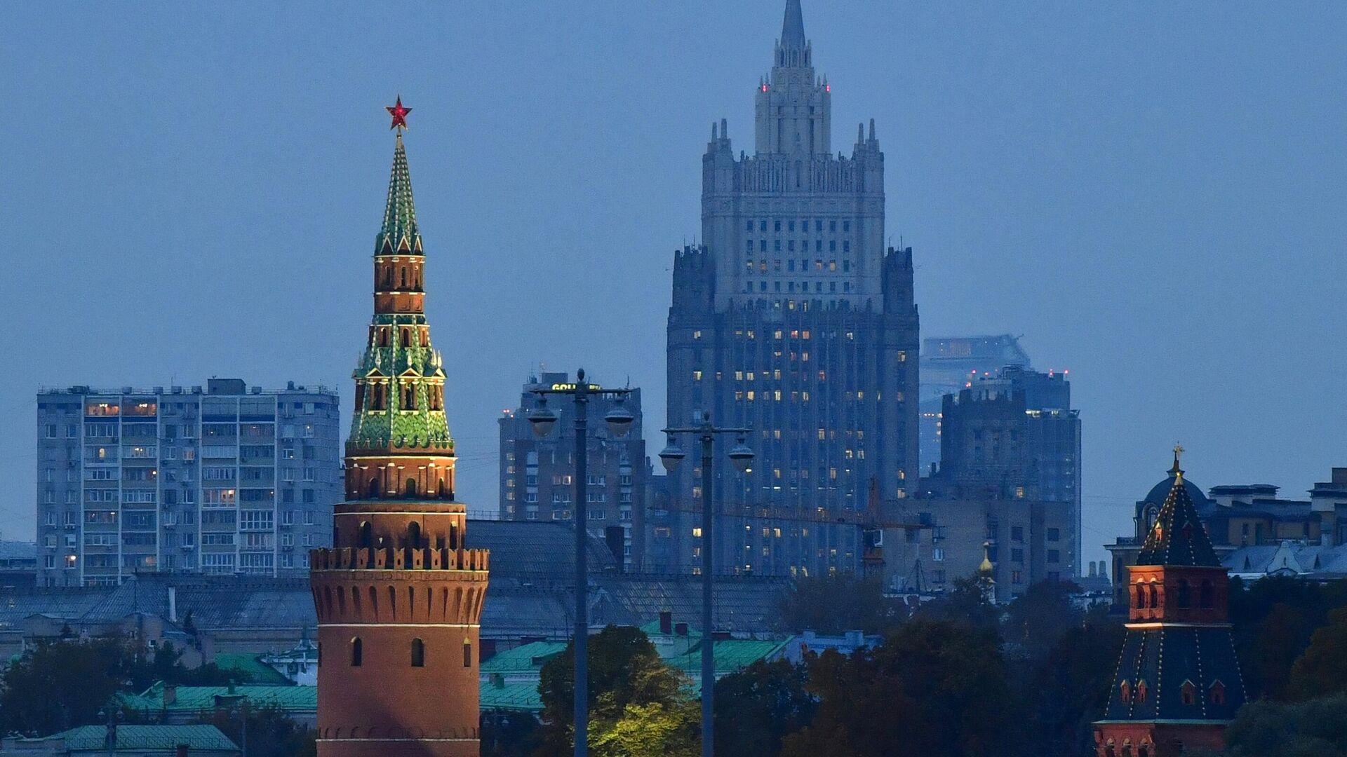 Московский Кремль и здание МИД России - РИА Новости, 1920, 09.10.2021