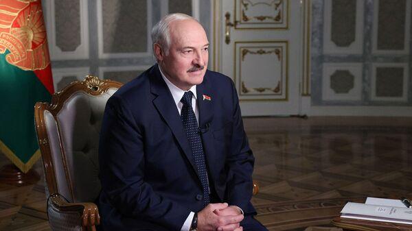 Лукашенко назвал сообщения о насилии над задержанными в Белоруссии фейком и выдумками