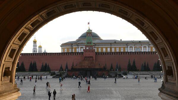 Вид на Красную площадь и Кремль в Москве