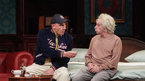 Угрюмов и Леонтьев в спектакле Ночь в отеле