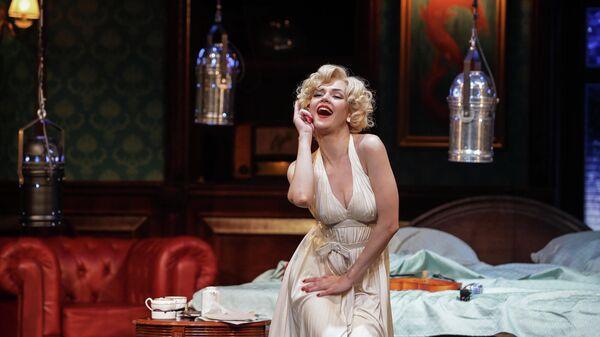 Сцена из спектакля Ночь в отеле