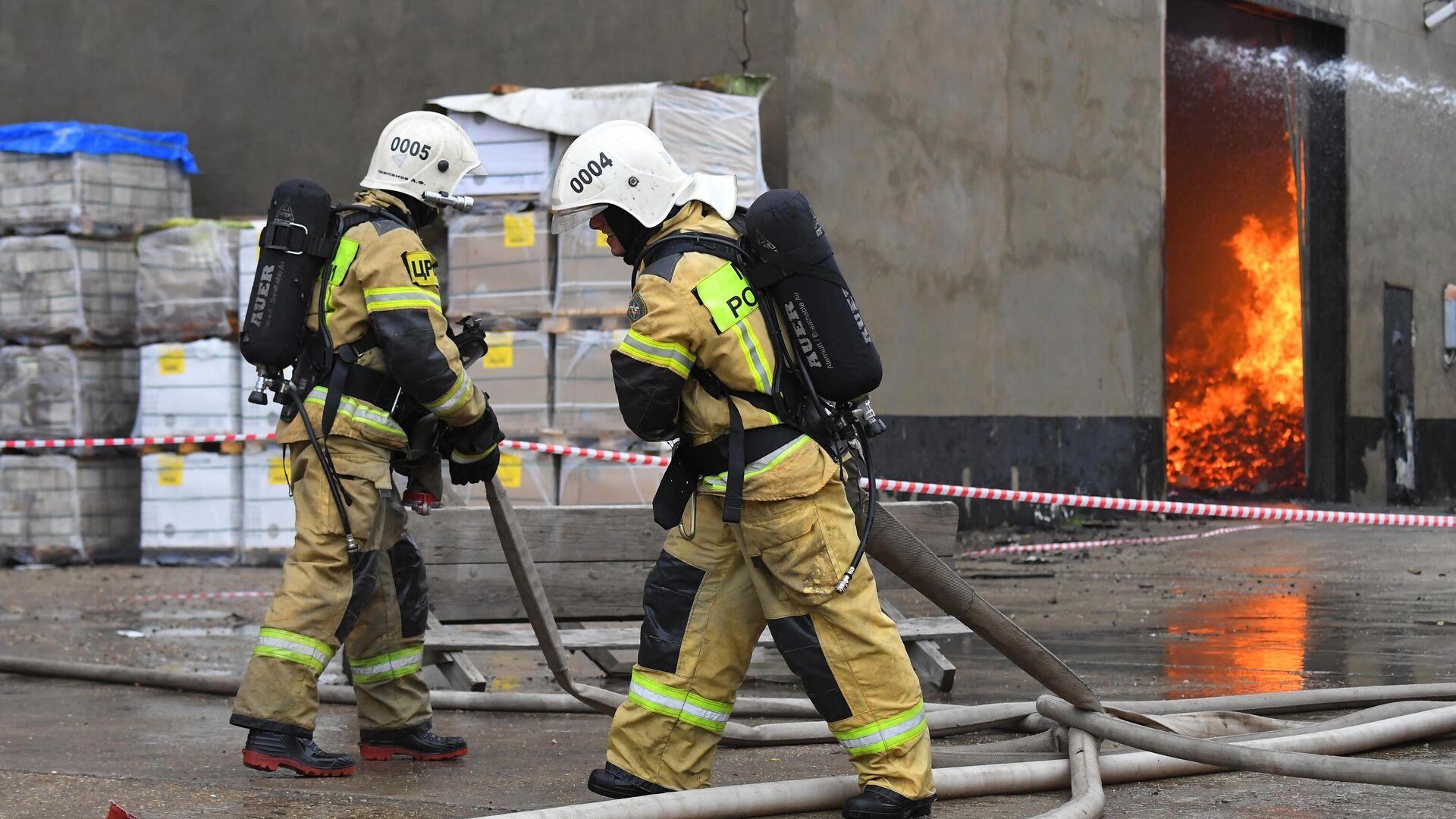 МЧС: пожар на складе в Новой Москве потушили