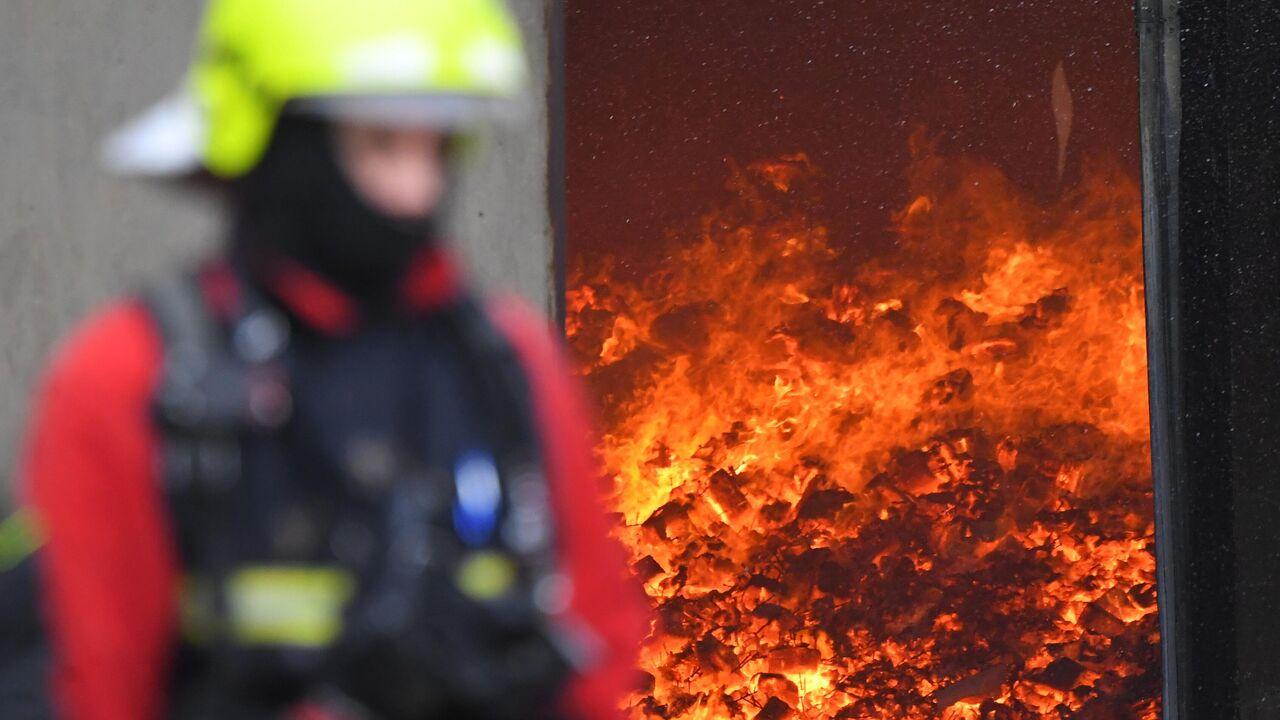 В Рязанской области загорелся цех на заводе, есть погибшие