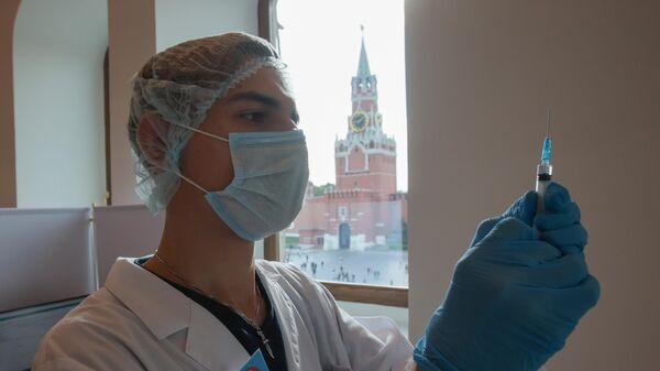 Матвиенко оценила идею всеобщей принудительной вакцинации от COVID-19