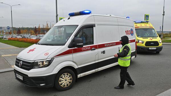 Машины скорой помощи в карантинном центре в Коммунарке
