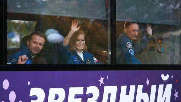 """Командир """"киноэкипажа"""" доложил Рогозину о готовности к старту"""