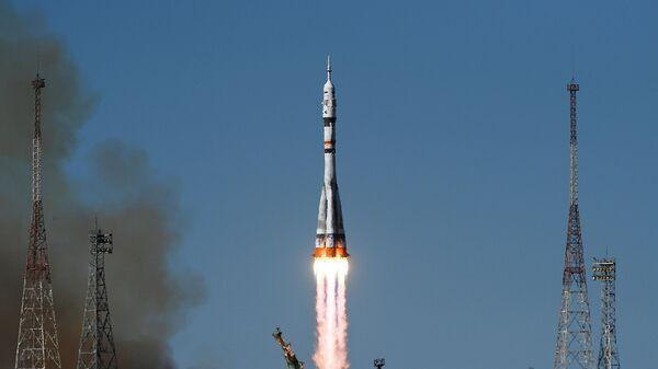 Запуск ракеты-носителя с космическим кораблем Союз МС-19 со стартового комплекса Восток №31 космодрома Байконур