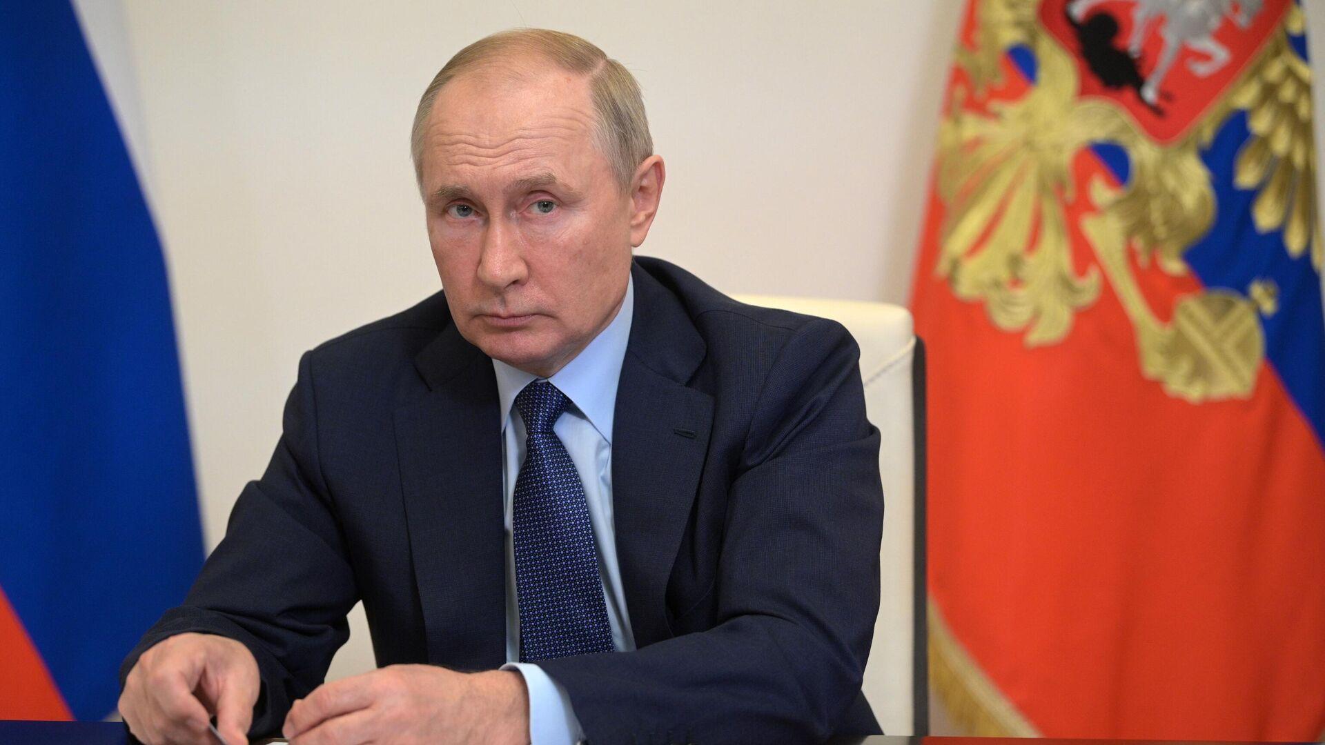 Президент РФ Владимир Путин провел совещание с членами правительства РФ - РИА Новости, 1920, 06.10.2021