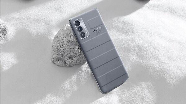 Компания realme представила в России смартфон GT Master Edition
