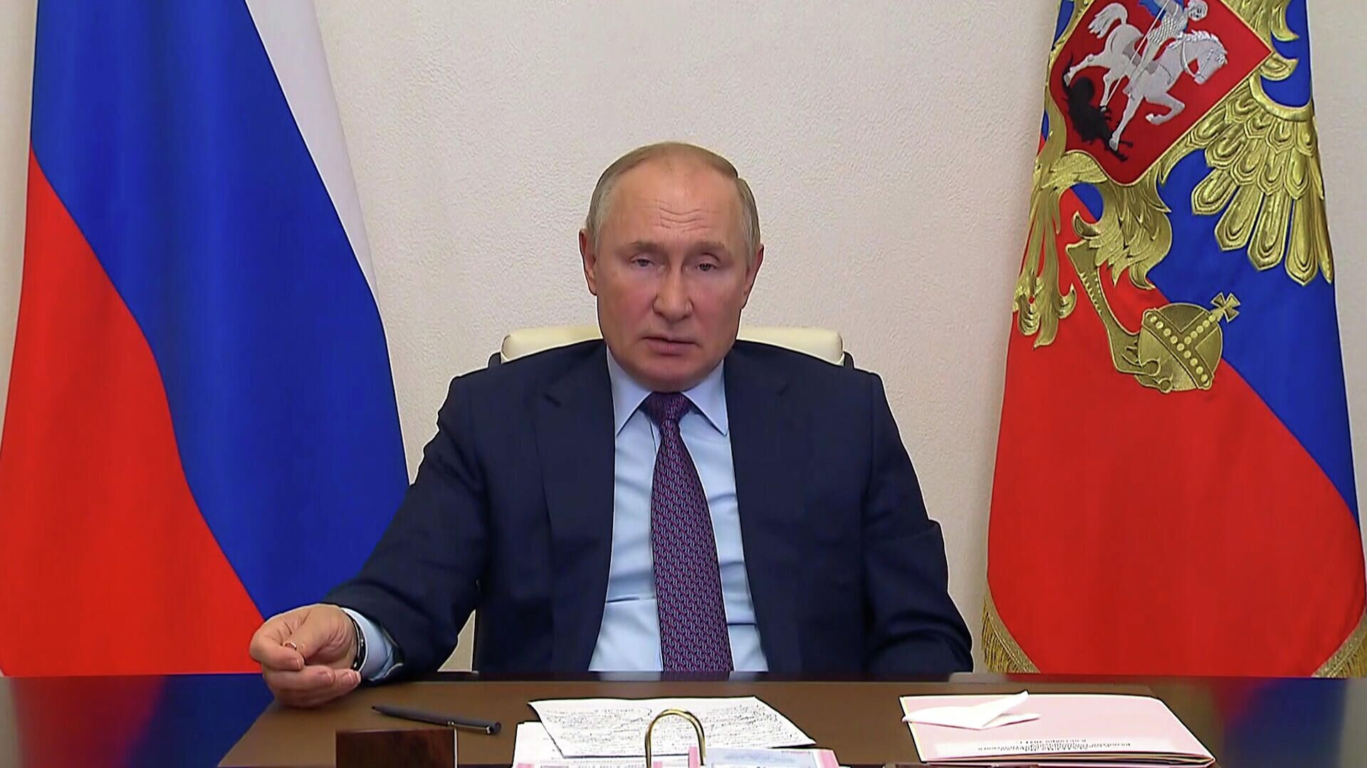 Путин: нужно полностью соблюдать контрактные обязательства по транзиту газа  - РИА Новости, 1920, 06.10.2021