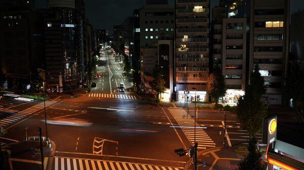 Вид улицы в Токио после землетрясения
