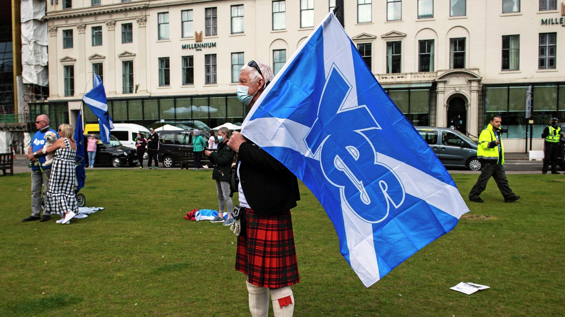 Акция за независимость Шотландии в Глазго  - РИА Новости, 1920, 08.10.2021