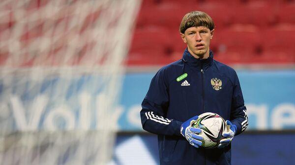 Игрок сборной России по футболу Матвей Сафонов на тренировке перед матчем отборочного этапа чемпионата мира по футболу 2022 года против сборной Словакии.