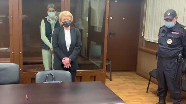 Бывший заместитель министра просвещения РФ Марина Ракова, обвиняемая в мошенничестве в особо крупном размере, на заседания Тверского районного суда города Москвы