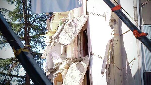 Обрушение жилого дома в Батуми. Кадр видео