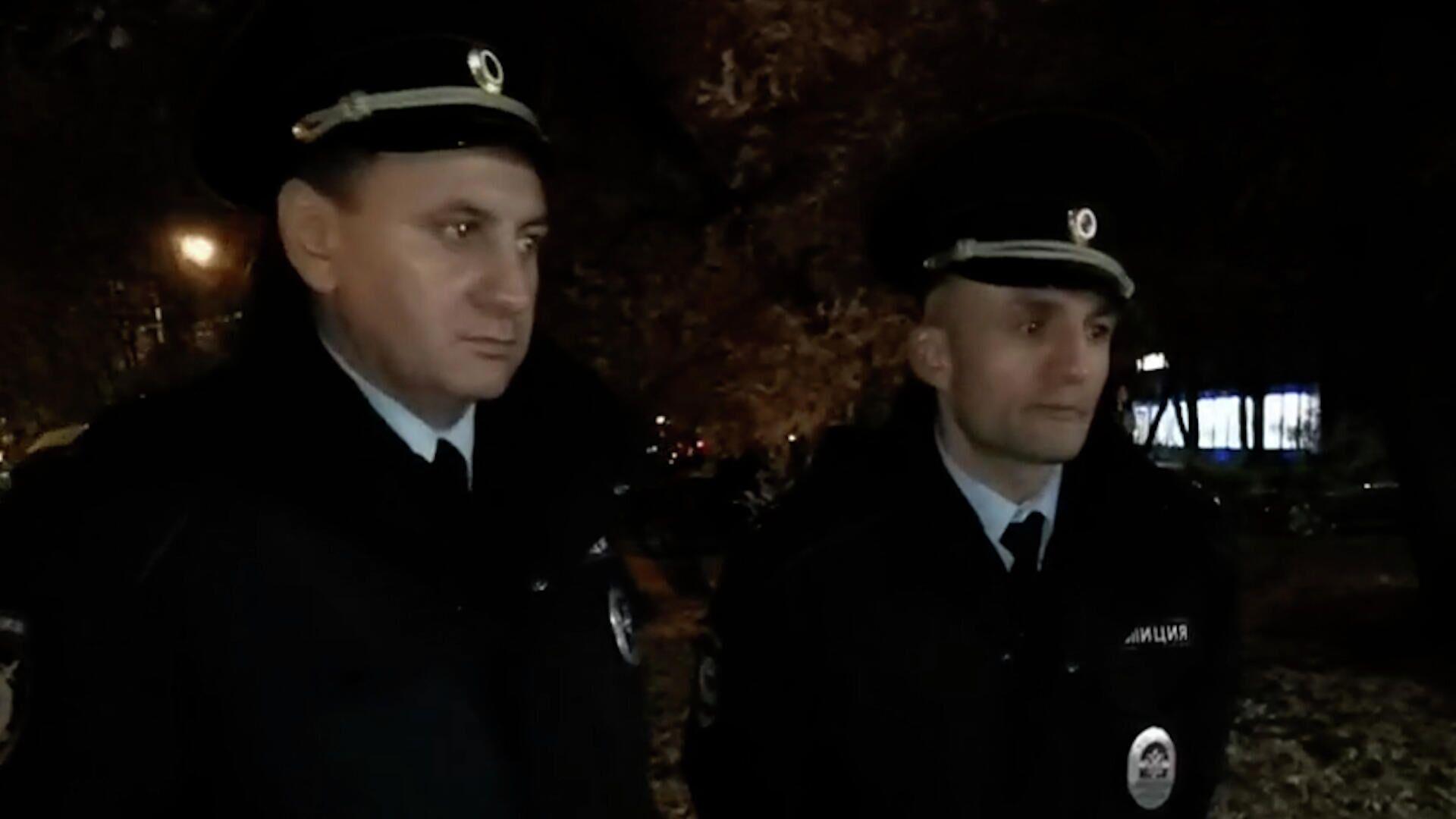 Оказывали активное сопротивление – полицейские об избивших пассажира в метро  - РИА Новости, 1920, 09.10.2021