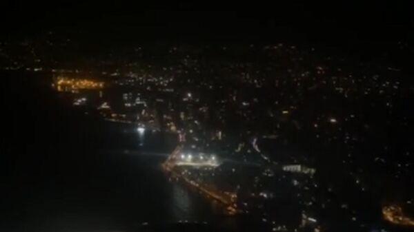 Обесточенный Бейрут: видео из самолета