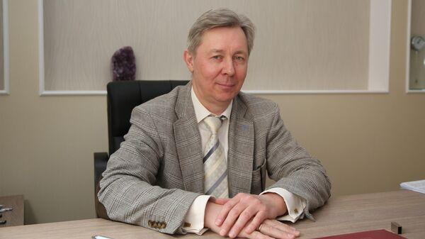 Ректор университета Дубна Дмитрий Фурсаев