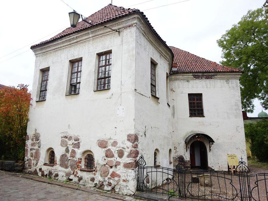 Костёл Св. Гиацинта (Рыцарский дом) построен в 16 веке.