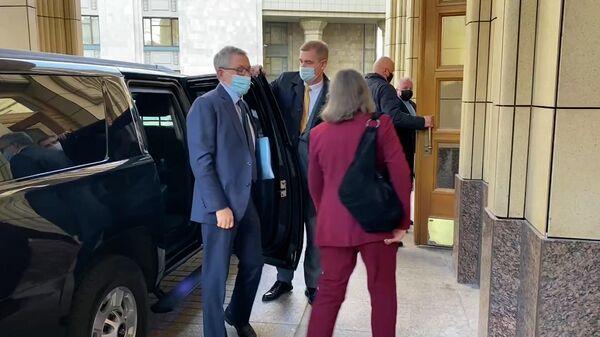Нуланд приехала на переговоры в МИД России