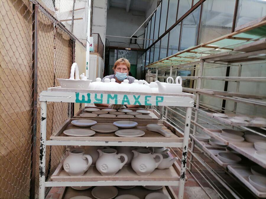В процессе производства. Семикаракорская керамика