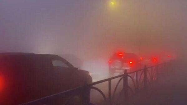 Дым от торфяника на Екатеринбургской кольцевой автодороге