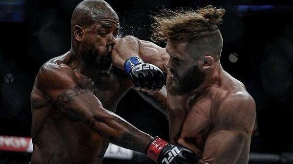 Боец UFC Рафаэль Физиев