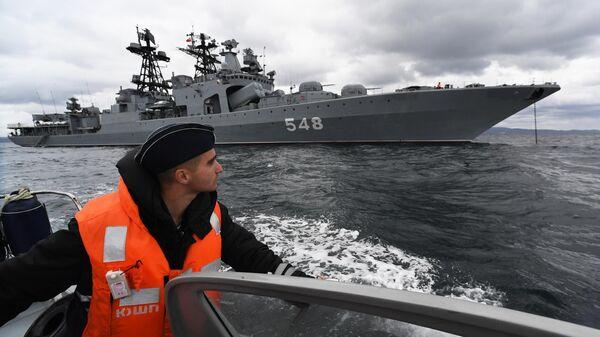 Большой противолодочный корабль Адмирал Пантелеев во время российско-китайских учений Морское взаимодействие – 2021 в Японском море