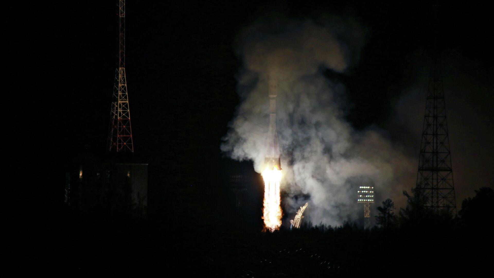Старт ракеты-носителя Союз-2.1б с 36 космическими аппаратами OneWeb на космодроме Восточный - РИА Новости, 1920, 14.10.2021