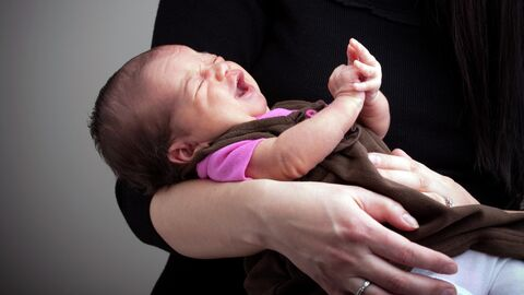 Плачущий младенец