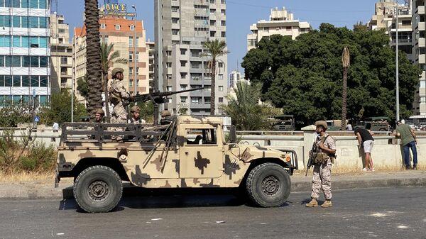 Военнослужащие Ливанской армии на одной из улиц Бейрута