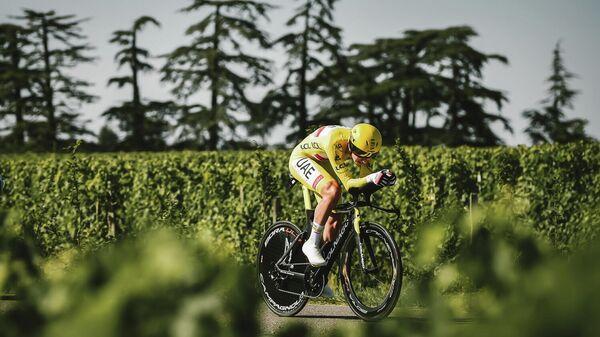 Велосипедист на этапе Тур де Франс