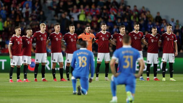 Футболисты пражской Спарты перед матчем Лиги Европы с Рейнджерс