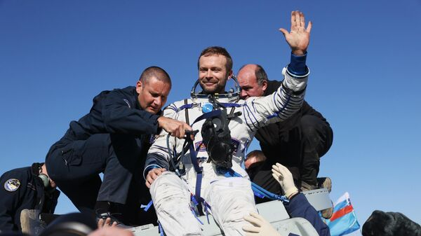 Экипаж корабля Союза МС-18 вернулся на Землю