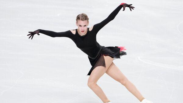 Майя Хромых выступает с произвольной программой в женском одиночном катании на контрольных прокатах сборной России по фигурному катанию в Челябинске.