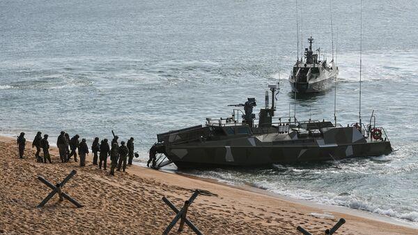 Патрульные скоростные катера Раптор во время учений Черноморского флота в Крыму