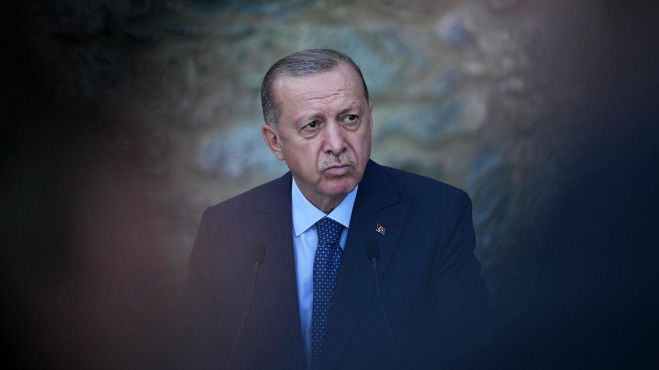 Турция вышлет послов 10 государств