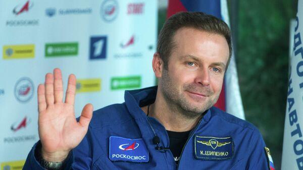 Кинорежиссер Клим Шипенко во время пресс-конференции, посвященной возвращению экипажа корабля Союз МС-18