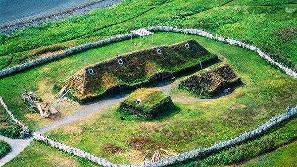 Реконструкция поселения викингов в Национальном историческом парке Л'Анс-о-Медоуз
