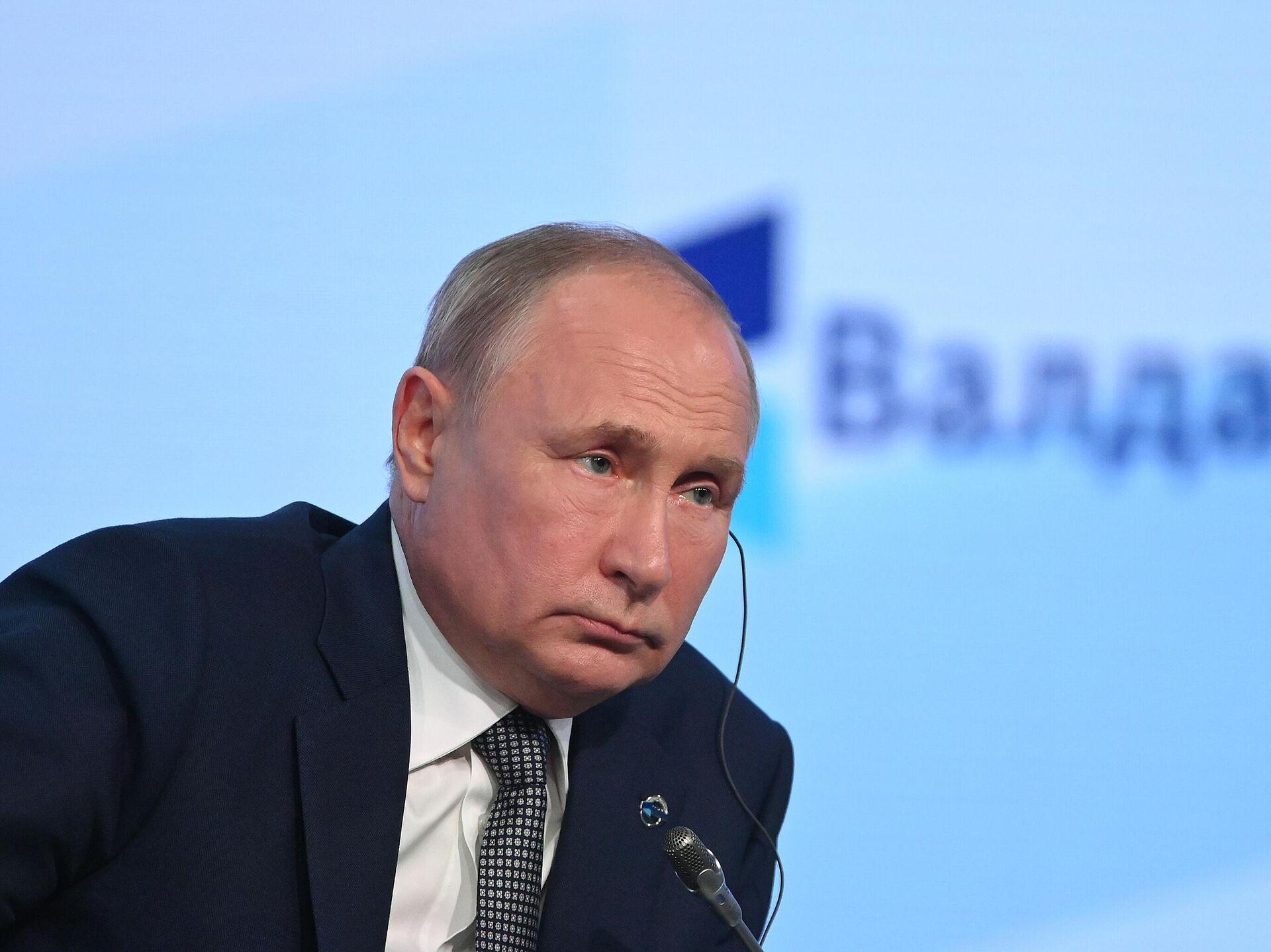 "Соответствует ли политика Путина принципам ""разумного консерватизма""?"