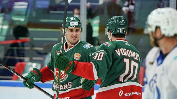 Хоккеисты Ак Барса в матче КХЛ