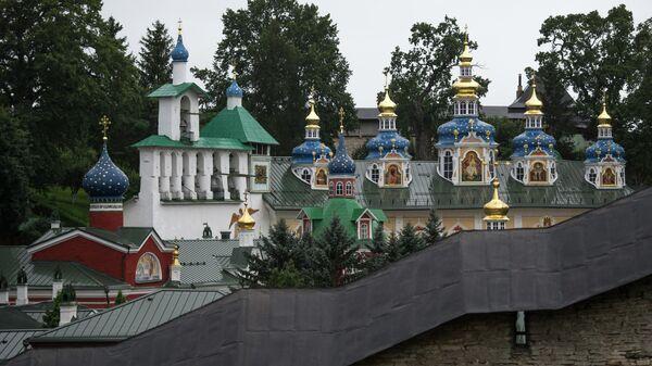 Свято-Успенский Псково-Печерский монастырь в Псковской области