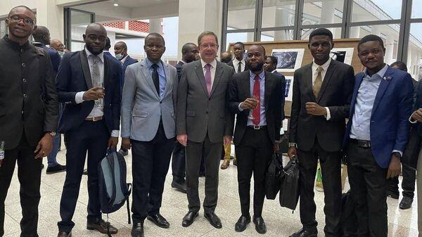 Посол  РФ в ДРК Алексей Сентебов на открытии выставки победителей конкурса имени Стенина в Национальном музее в Конго
