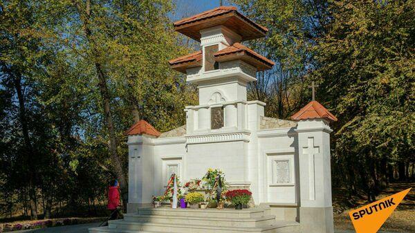 Памятник солдатам румынской армии, которые воевали на стороне нацистской Германии, в центре Кишинева в парке Валя Морилор
