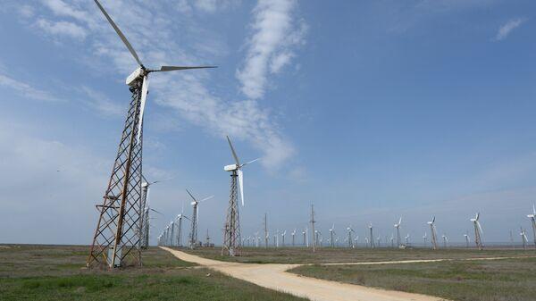 Ветровые электростанции, архивное фото