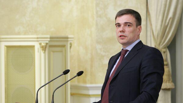 Олег Савельев