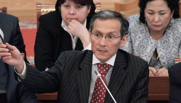 Джоомарт Оторбаев. Архивное фото