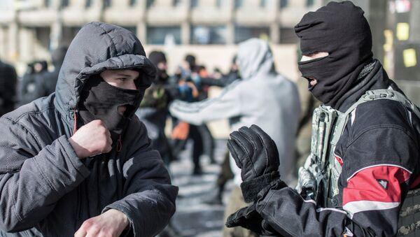 Тренировка по рукопашному бою бойцов оппозиции из националистической организации Правый сектор, Архивное фото