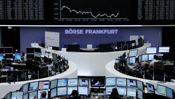 Торги немецкой фондовой биржи DAX во Франкфурте. Архивное фото
