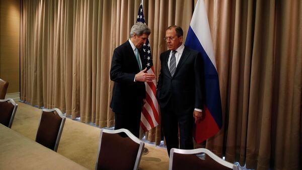 Джон Керри и Сергей Лавров на переговорах по урегулированию кризиса на Украине в Женеве 17 апреля 2014
